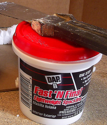 Light-weight foam spackle