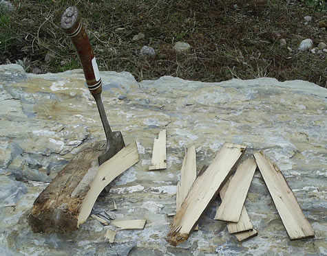 Hatchet Cutting Mordheim Wood